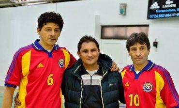 """Echipa de old-boys de la Moldova Nouă pe podium la Cupa """"Stelele Banatului"""". Stelele """"Belo"""" și """"Roti"""" singurele prezente la toate edițiile"""