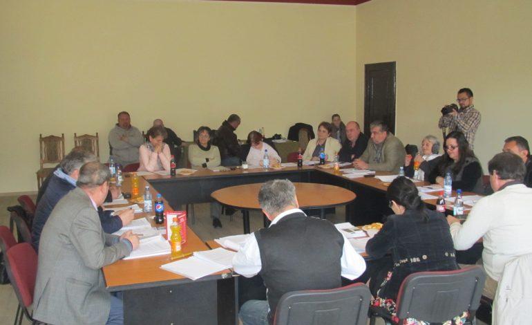 Opoziția a blocat Consiliul Local Oravița