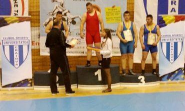 Aur obţinut prin lupte grele de juniorul Constantin Dănilă!