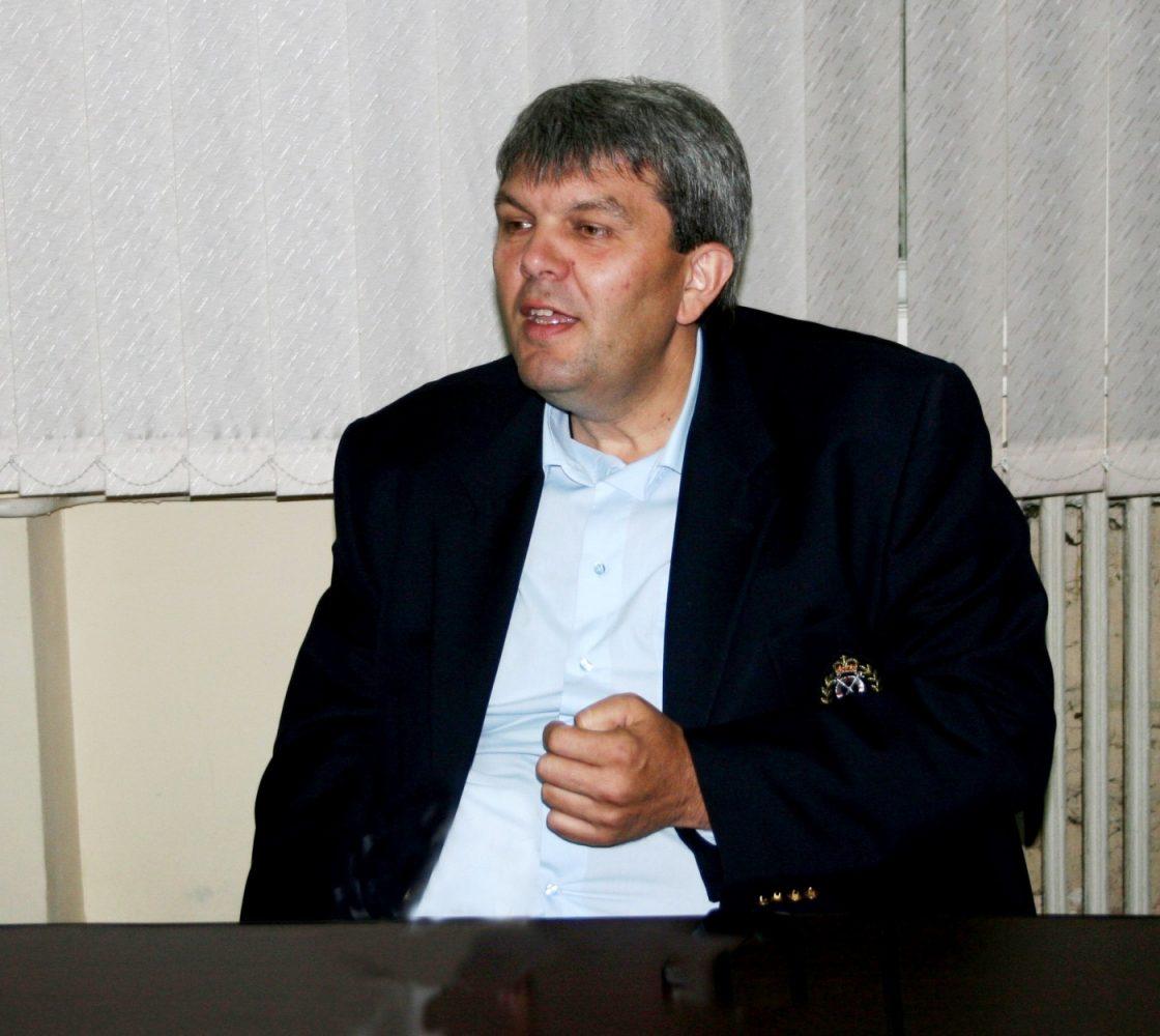 Nicuşor Vasilescu edilul de Herculane suspendat..