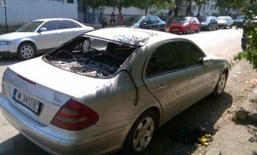 Maşina unui traficant de ţigări din Oraviţa a fost incendiată!