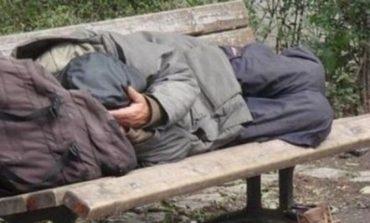 Persoanele fără adăpost, salvate din calea gerului de autorități