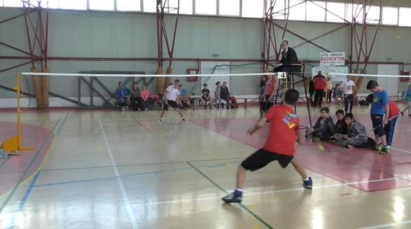 """""""Cupa Bârzava"""" la badminton, un real succes"""