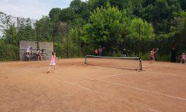 """""""Ziua Internațională a Copilului"""", sărbătorită pe terenurile de tenis din Reșița"""