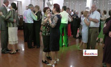 Pensionarii din Resita, au dat startul petrecerii de Revelion!