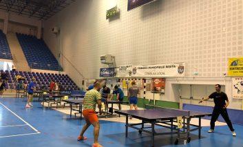 A început campionatul județean pentru seniorii tenisului din Caraș!