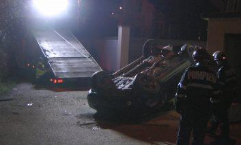 În ajun de Ziua Îndrăgostiților, doi tineri îndrăgostiți au plonjat cu mașina de la 15 metri!