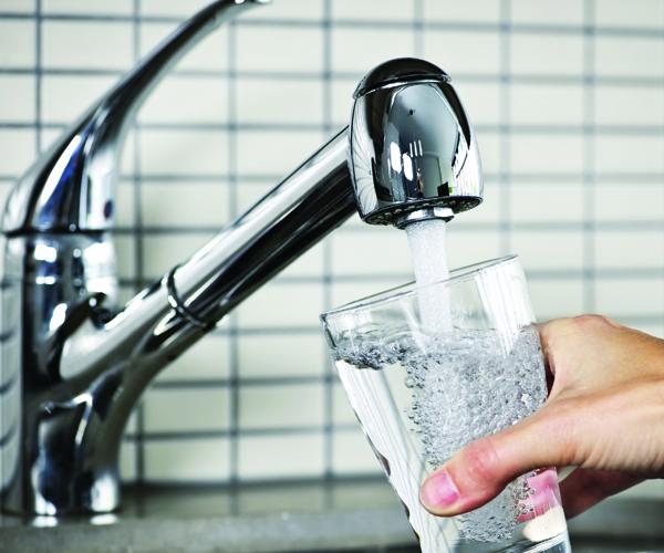 Aquacaraş sistează furnizarea apei potabile în câteva zone din Reşița.