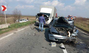 2 morți si 4 persoane grav ranite, pe DN 58 B Maureni Gherteniş.
