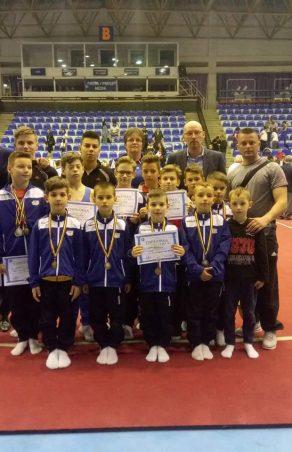 18 medalii naționale pentru gimnaștii de la Reșița! Reșițenii sunt pregătiți să concureze la ei în oraș!