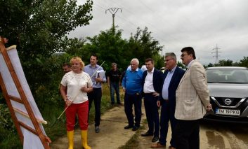 Vizita fulger in Clisura Dunarii a Ministrului Apelor şi al Padurilor  Ioan Deneş!