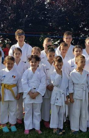 "Karateka reșițeni, pe podium la ""Cupa Dragonul""!"