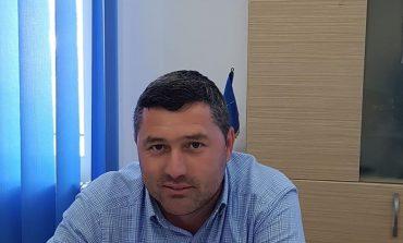 Scandal uriaș la Ciclova Română: viceprimarul Golu nu vrea să-i predea ștampila primarului Percea! Cere ordin scris de la Prefect!