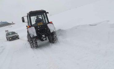 Amenzi de 200.000 de lei pentru administratorii drumurilor: Nu au întreținut drumul pe timpul iernii