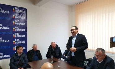 Raceala lui Simescu si lipsa presedintelui Mocioalca ,amana ,,inaugurarea sediului din Moldova Noua,,