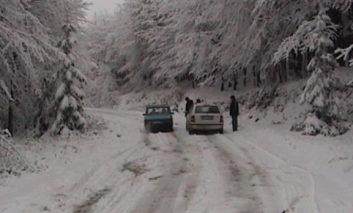 Drumul spre Semenic închis din cauza vremii
