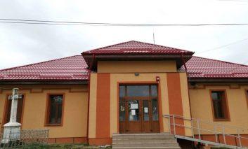 Cămin nou pentru sătenii din Răchitova, Primăria Oravița a tăiat panglica noului edificiu cultural