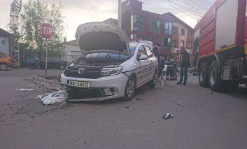 Accident rutier in Oravita ,cu mașina Poliției, polițistul șofer este rănit