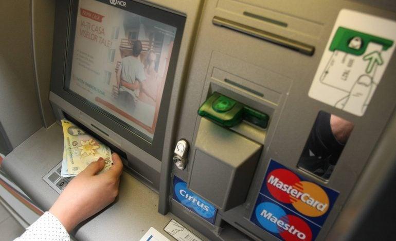 """Moldova Nouă fără bani în ,,bancomate"""""""