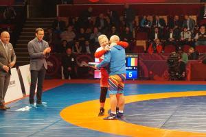 Fostul campion olimpic Ştefan Rusu l-a întâlnit, luni, pe adversarul său din urmă cu 40 de ani polonezul Andrzej Supron, într-un meci demonstrativ